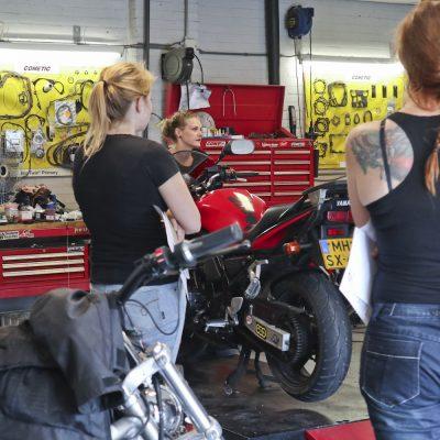 08-09 Workshop motorfiets onderhoud GERATEL1